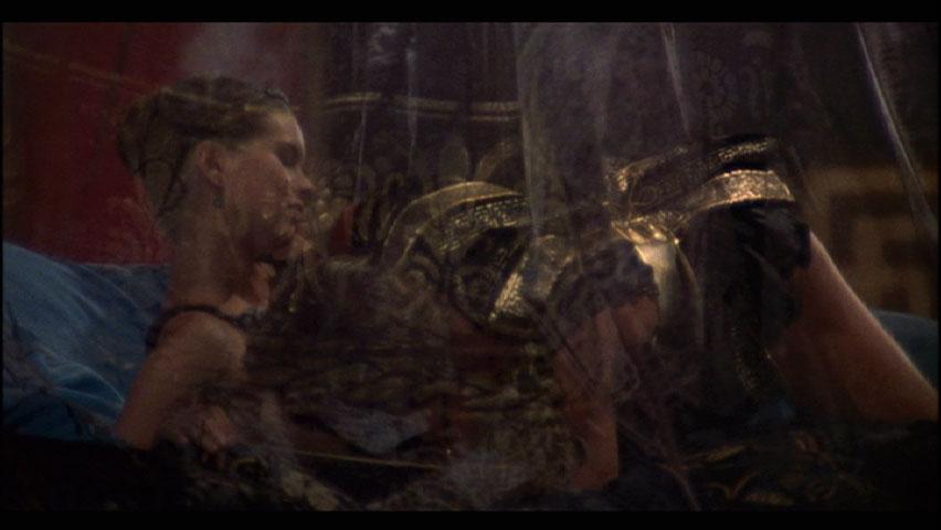 Caligula lesbian scene