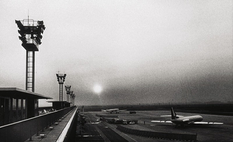 01_lajetee-orly-airport