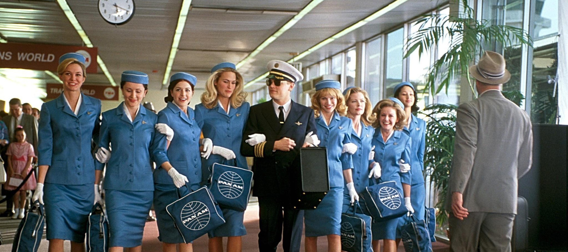 Steven Spielberg S Catch Me If You Can Wonders In The Dark